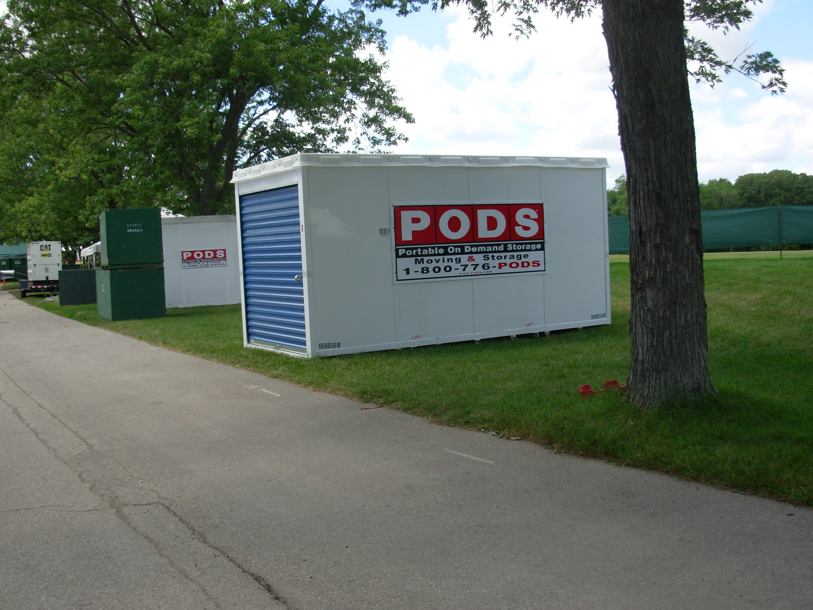 Pros and Cons of Renting a Pod Shipping Container for Your ...